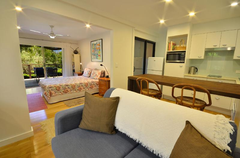 Architect designed, spacious, private. Walk to beach, restaurants and Noosa National Park.