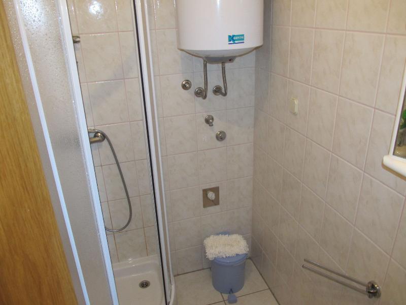 A1 (4 + 1): bagno con WC