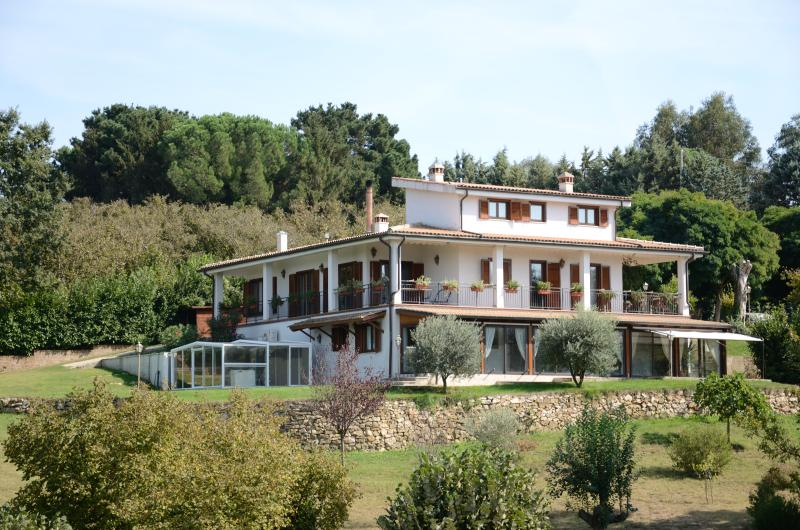 Relaxing Rural Villa close to Rome and more, holiday rental in Bassano Romano