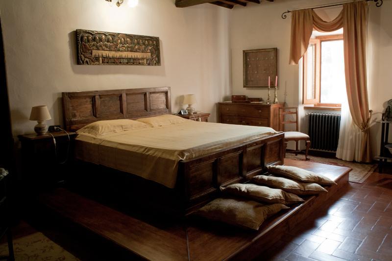 Appartamento di pregio a Vinci in casa storica., location de vacances à Vinci