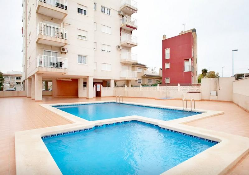 3 room+Pool+WiFi+Satellite+WaterFilter+AirConditio, vacation rental in Torrevieja