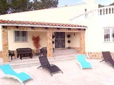 Magnifique villa avec piscine privée située à l'Ametlla de mar, holiday rental in Miravet