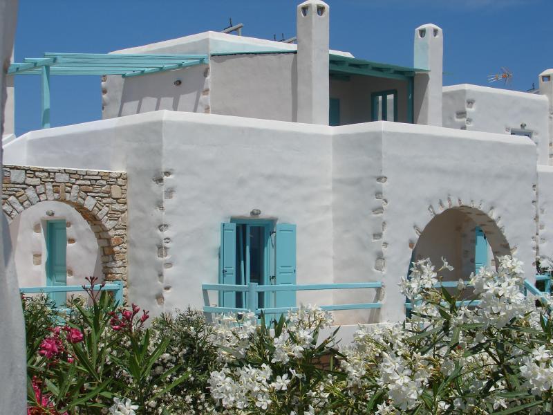 Archipelagos villas-Villa Xifara for 4 close to the sea, aluguéis de temporada em Naoussa