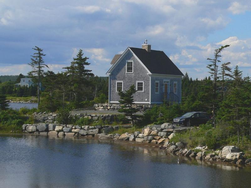 Beautiful post & beam oceanfront cottage, vacation rental in Jeddore