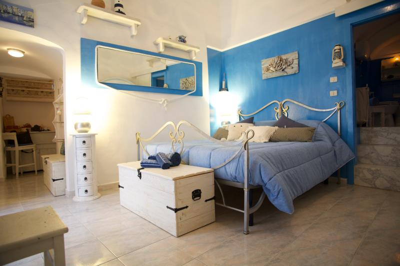 Your Blue Nest in the center of the old-town in Vieste
