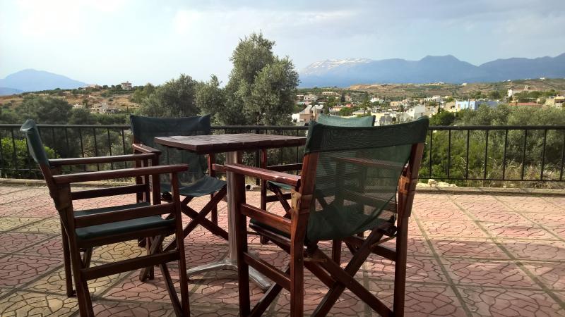 appartement > 4 personnes Petit déjeuner compris, holiday rental in Matala
