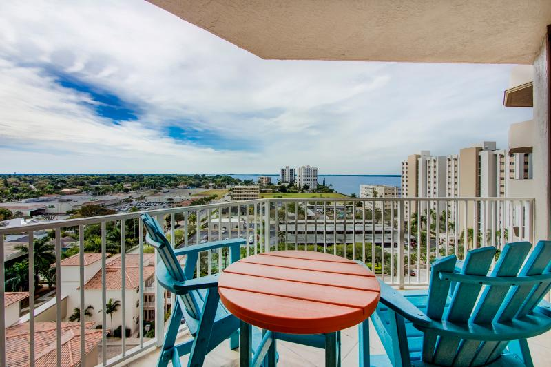Rear Balcony (view down river and over downtown Ft Myers)