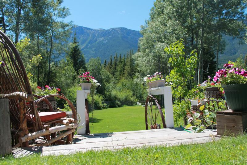 I own a Country Inn / small cattle/horse ranch, aluguéis de temporada em Chilcotin District