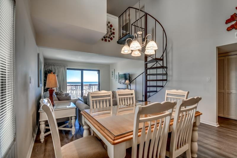 Dining Room,Indoors,Room,Chair,Furniture
