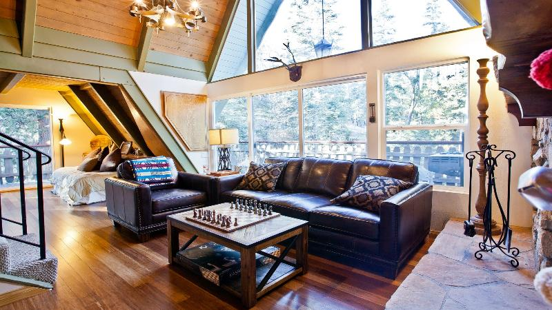 Brentwood Lodge living room