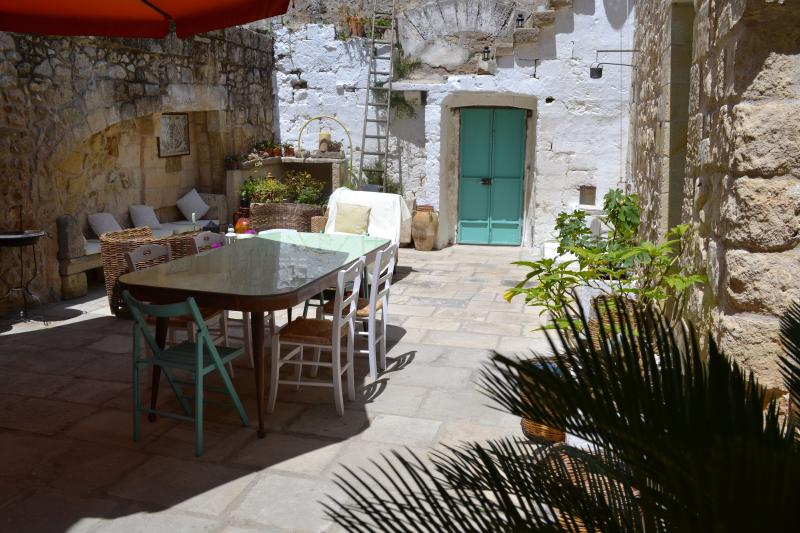 Main courtyard Salento Guesthouse B&B
