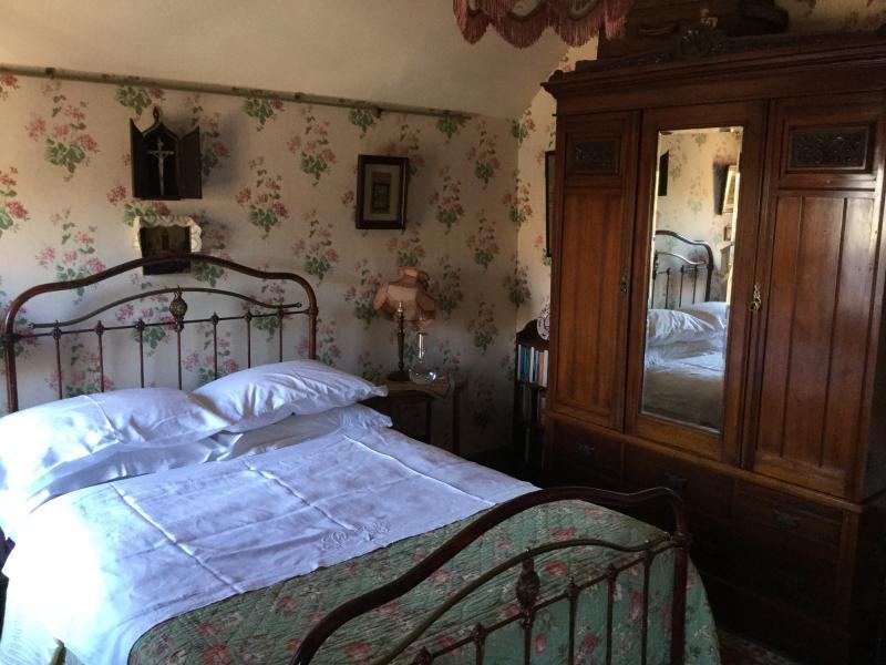 nanny hawkin's room