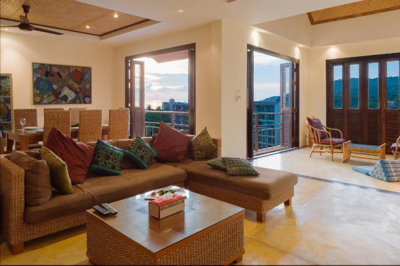 Baan Thale Serenity, 6 Bedroom Pool Villa, Phuket, holiday rental in Ban Khok Chang
