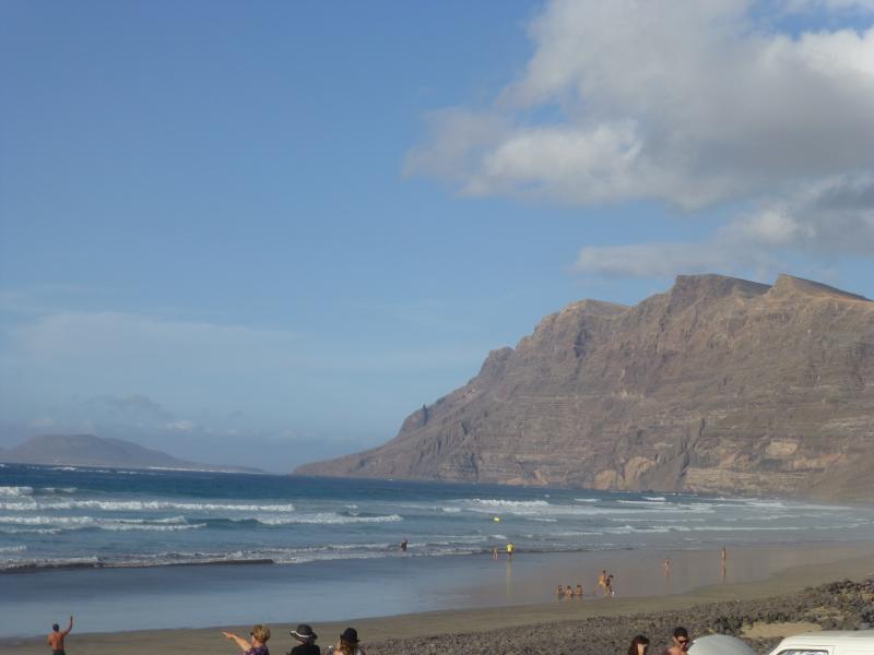 Vista general de playa Famara