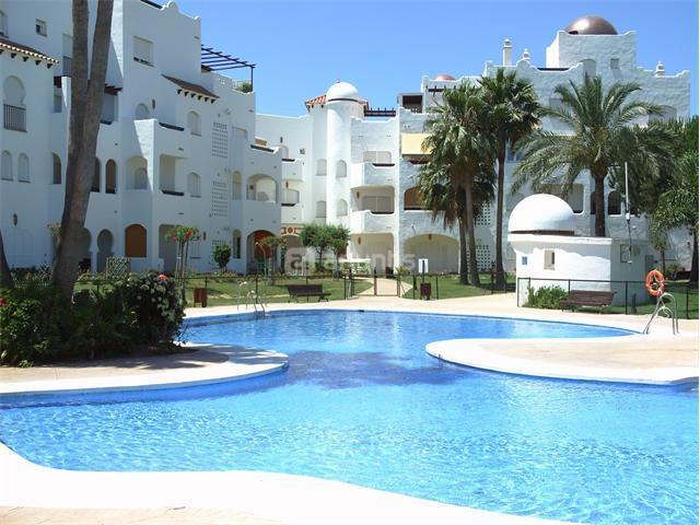 magnifico piso bajo con jardin de 20 m2, vacation rental in Rota