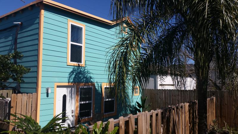 Front of Blue Crab Bungalow