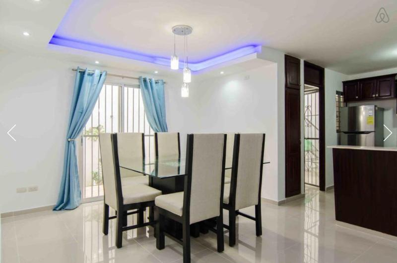 Lexury apartment, Wifi, A/C,BBQ, Cable., holiday rental in Santiago Province
