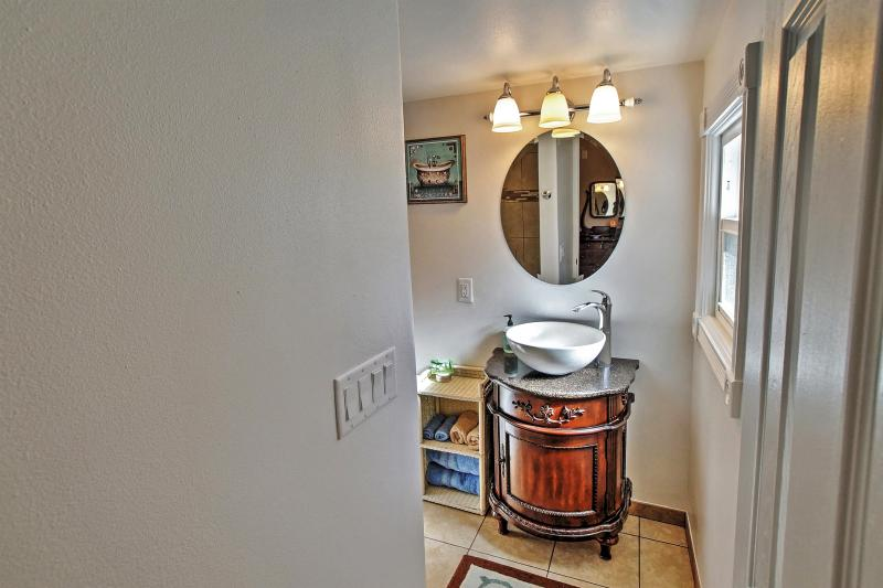 This home is equipped with 2 full bathrooms.