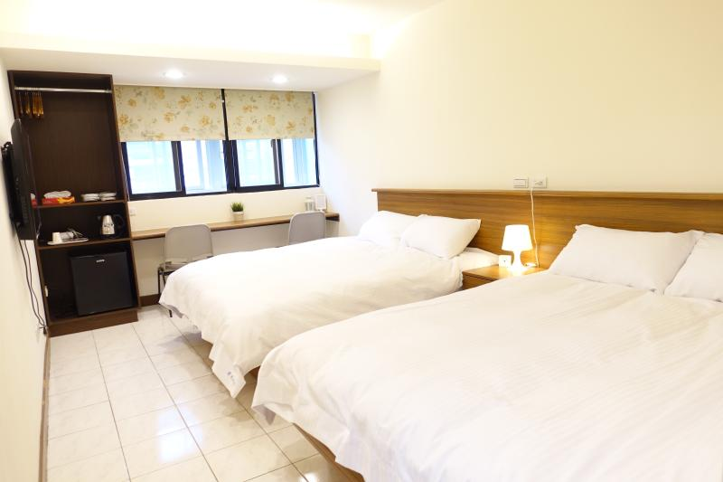 Our cozy rooms are at 6th floor with elevator access. Away from street noise and air pollution.