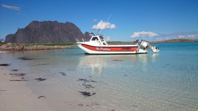 Remøya beach is a 20 minutes walk from Skrova Rorbuer. Nice beach with crystal clear water.