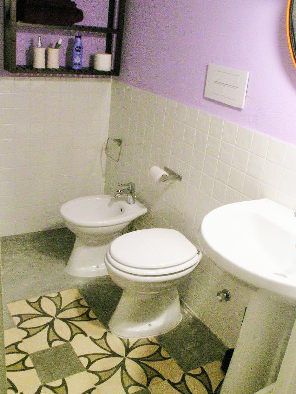 L'Officina - Via R. il Guiscardo 4 - Bari * Dimora Balilla - bathroom