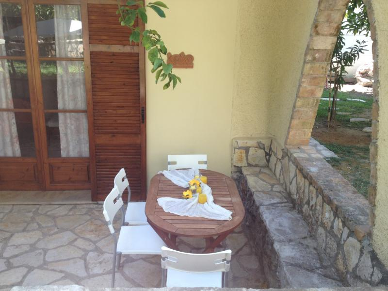 Evi's Garden Family apartments, holiday rental in Agios Gordios