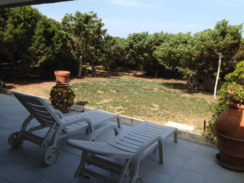 Villa sul mare con grande giardino