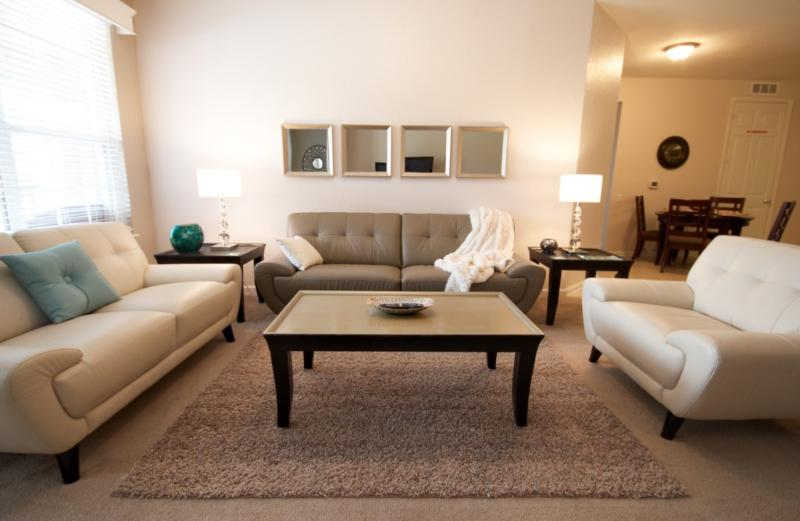 Couch,Furniture,Indoors,Room,Living Room