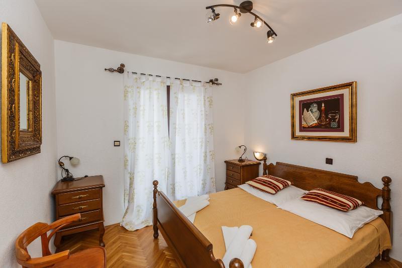 Zimmer 4.