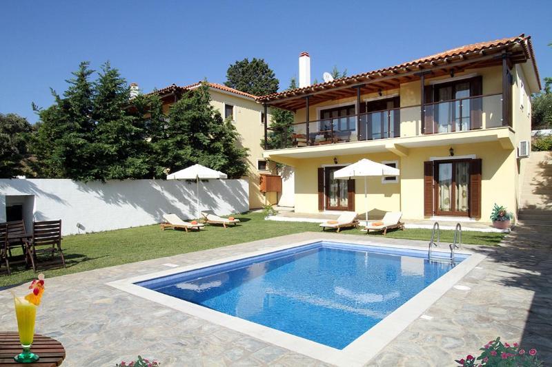 Four Seasons Villas - 'Spring' №1, vacation rental in Troulos