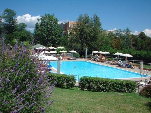 la piscina del golf club