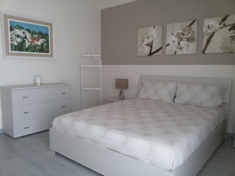 Camera da letto matrimoniale completa