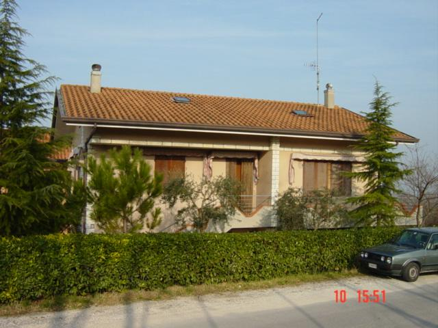 Lovely Holiday House 10 km from Riccione, Rimini, vacation rental in Gemmano