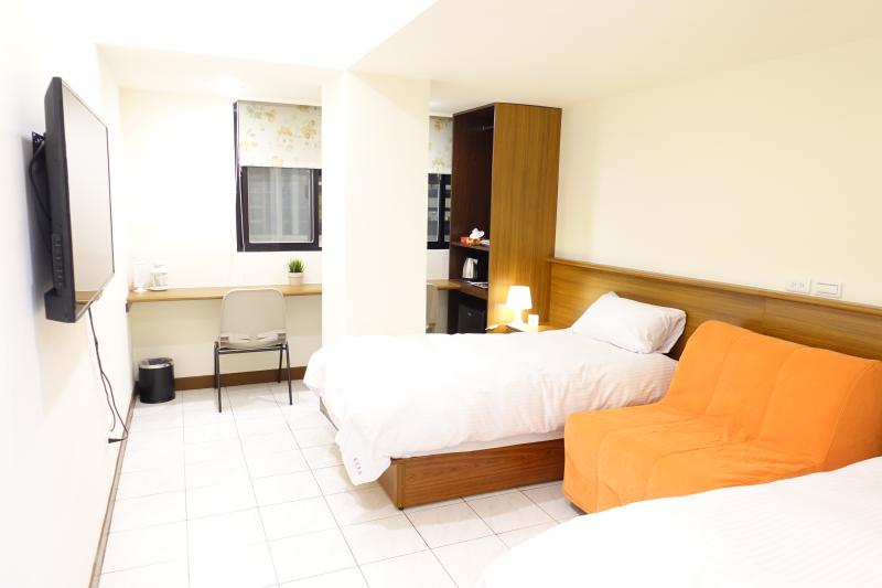 03 3 min. to Zhongxiao Fuxing MRT。Newly renovated, vacation rental in Taipei