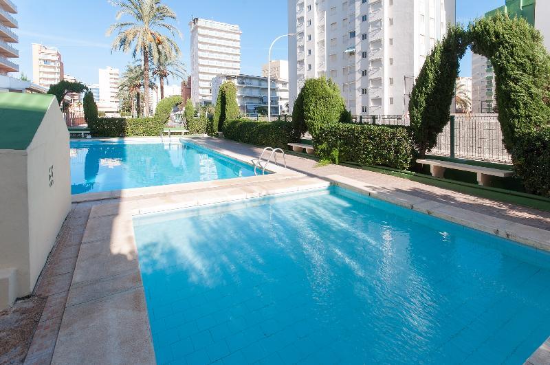 ARIADNA - Apartment for 6 people in Playa De Gandia, holiday rental in Grau de Gandia