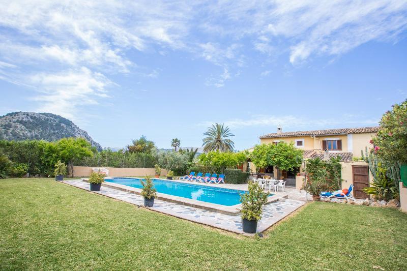 CAN VERGA - Villa for 8 people in Pollença, vacation rental in Formentor