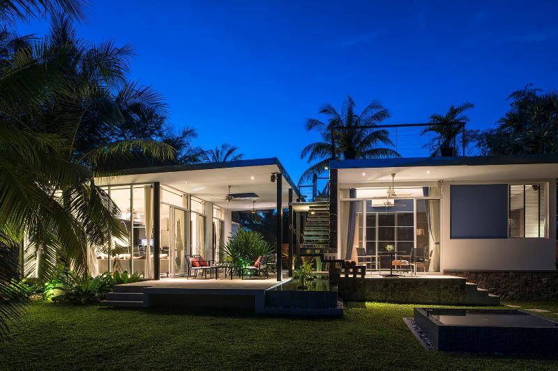Mid-century Modern Villa Locate In Countryside, vacation rental in Siem Reap