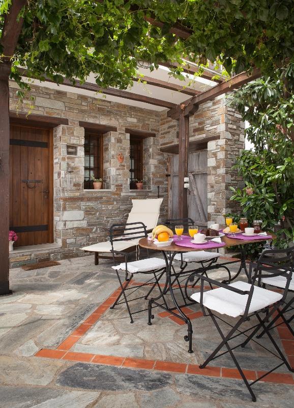 Giasemi the yard