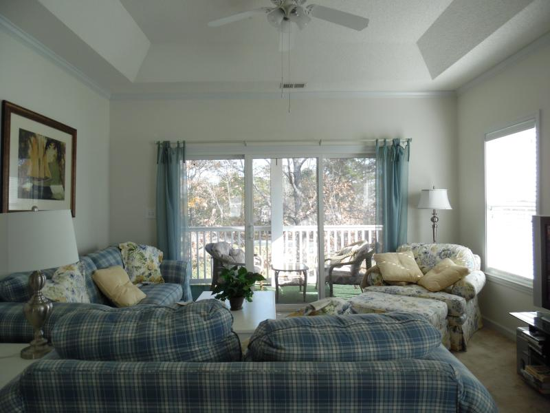 Beautiful, bright, 3BR 3rd fl. condo with elevator – semesterbostad i Myrtle Beach
