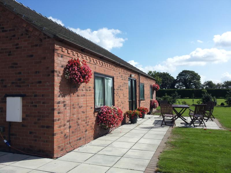 Crown Cottage:  South Newlands Farm (Strawberry Fields Cottages ) Riccall York, holiday rental in York
