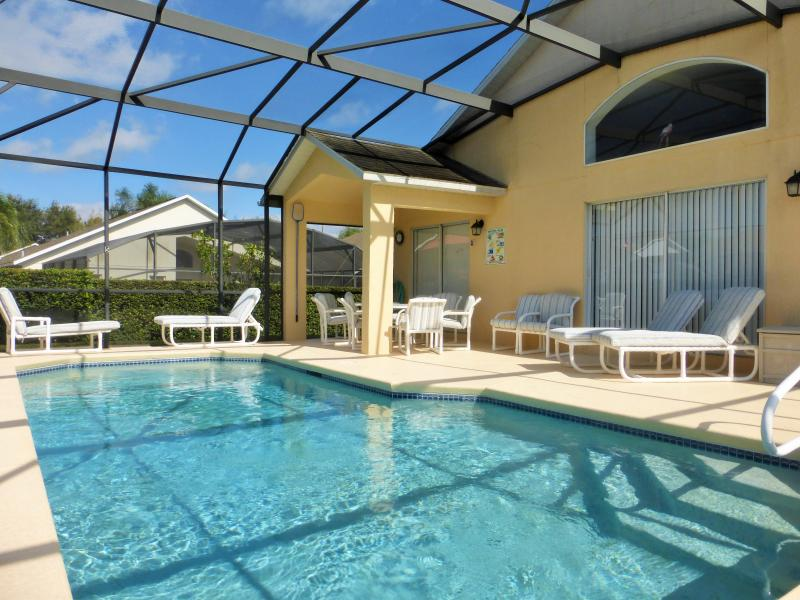 Relax by the pool, with room for everyone!