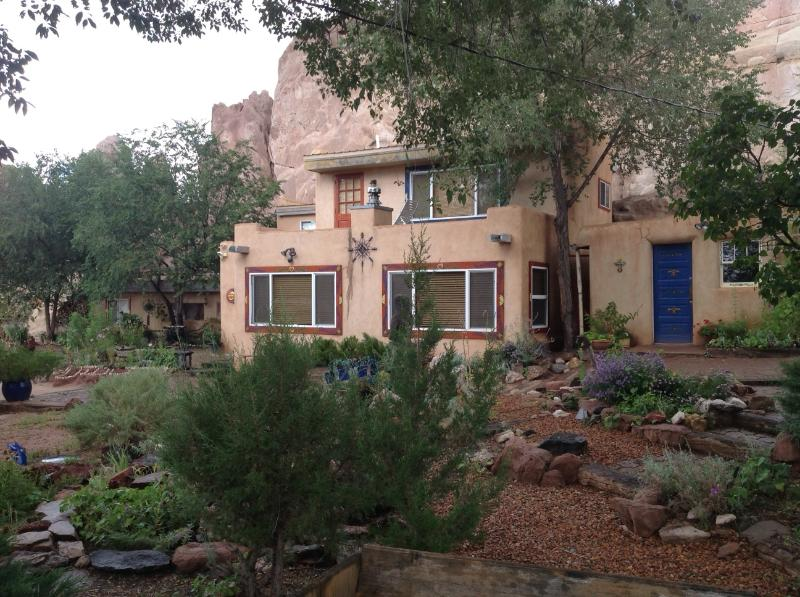 Santa Fe Charming Adobe Casita on Turquoise Trail, holiday rental in Galisteo