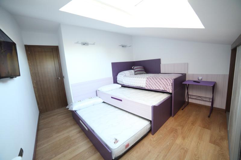 Habitación de tres camas, TV 32'