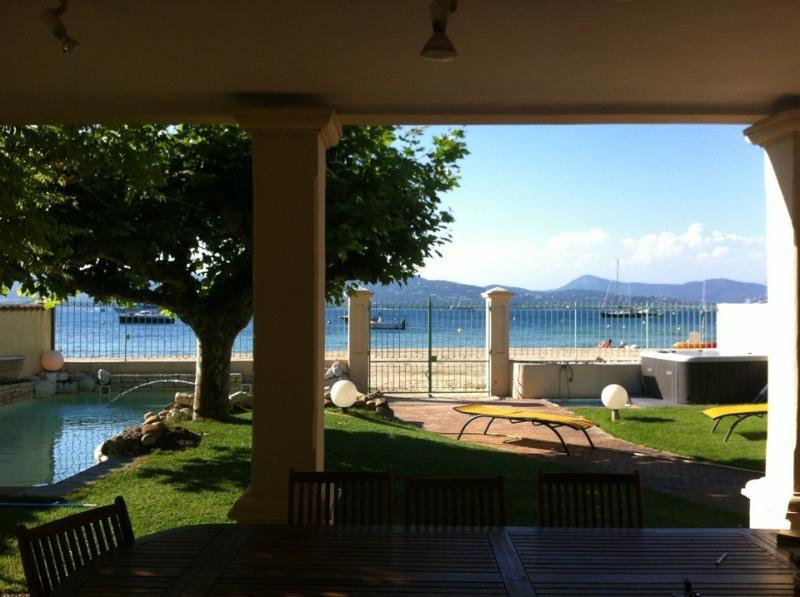 En bord de mer - ST TROPEZ Villa d'env.250 m²-6 chambres, location de vacances à Saint-Tropez