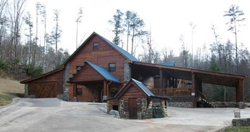 Lodge at Hideaway Hollow- close to Ocoee River rafting