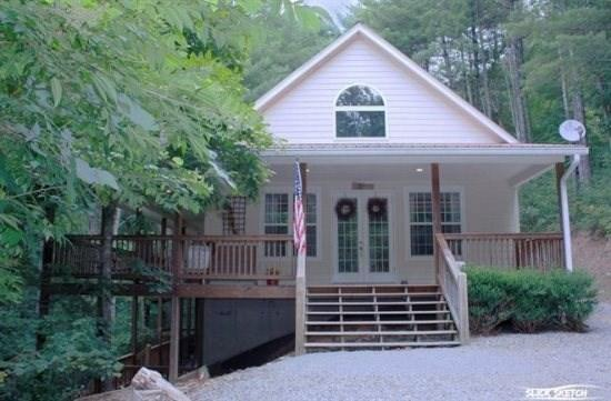 Blue Ridge cabin rental creekfront