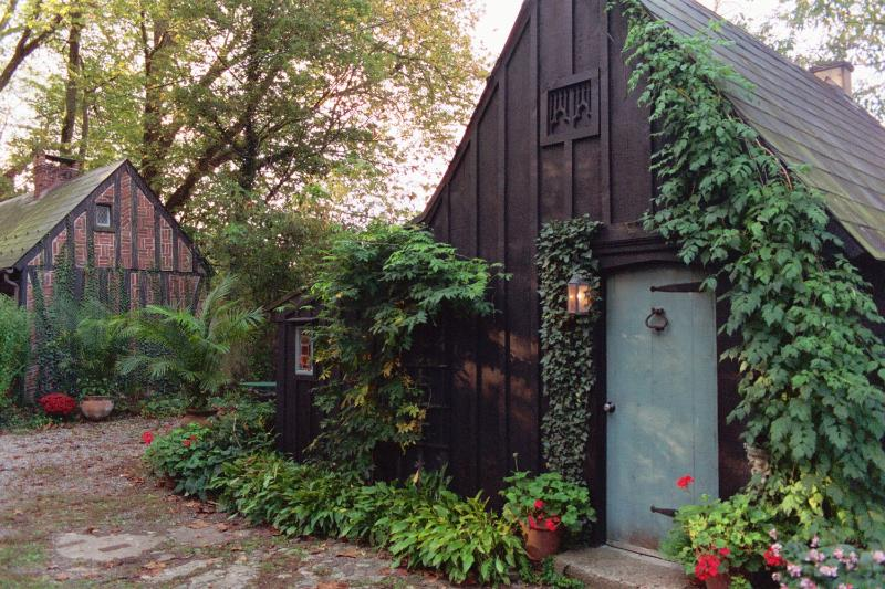 Romantic Gothic Cottage in New Hope, Pa, alquiler vacacional en Upper Black Eddy