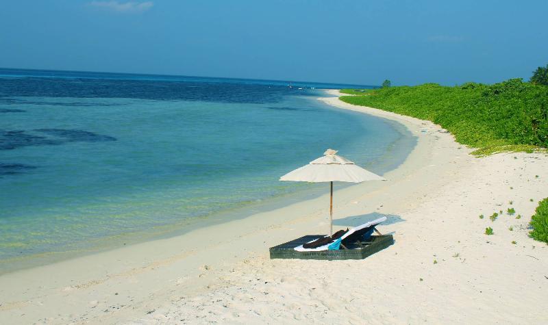 Rincodon Hotel Maamigili – semesterbostad i Dhangethi Island