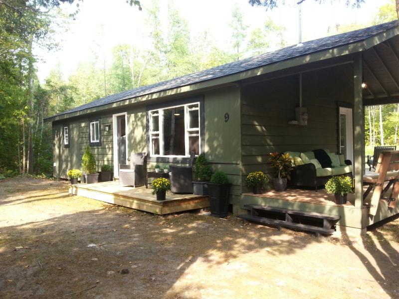 Rankin Ave Close to The Beach and Downtown, vacation rental in Shallow Lake