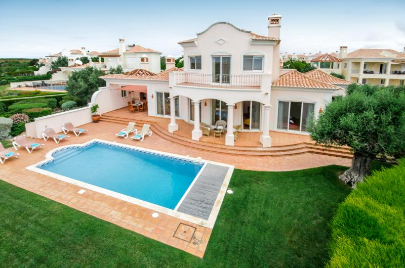 Casa Gribouille, luxury 3 bedroom villa located at Martinhal., location de vacances à Sagres